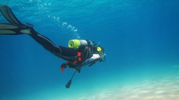 Scuba diving experience package